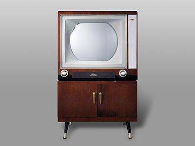 Primer televisor a color en Japón, el Toshiba D-21WE